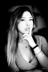 ZAIDA016 (DivinaLocura) Tags: beautiful bw blackandwhite retratos retrato portrait gente chica girl people guapa luznatural light