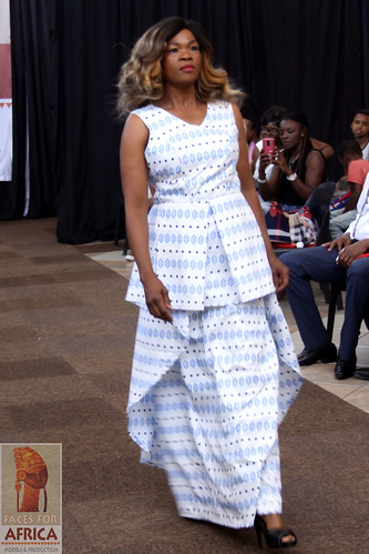 "Designer Tony of Umoya Fashion 2016-12-03_271 • <a style=""font-size:0.8em;"" href=""http://www.flickr.com/photos/136483481@N04/33563799256/"" target=""_blank"">View on Flickr</a>"