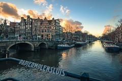Papiermolensluis cloudy 2 (tommyferraz) Tags: amsterdam netherlands dutch evening sunset sky clouds prinsengracht papiermolensluis cityscape