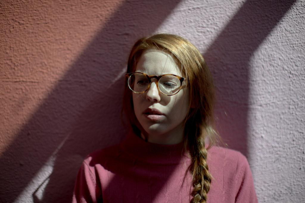 Redhead glasses emelie