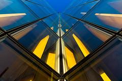 Tu t'es vu quand t'abuses !?! (fidgi) Tags: paris architecture bnf dominiqueperrault bleu blue jaune yellow glass canon canoneos5dmk3 bibliothèquefrançoismitterrand