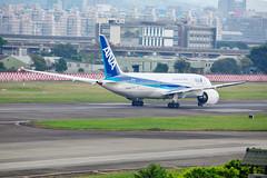 20140714A-CD4610 (martinlow) Tags: 787 飛機 松山機場 夢幻客機
