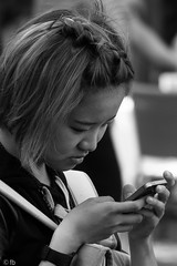 _DSC5029.jpg (LuDaBoon) Tags: street people bw rome girl face mobile asian hands portret