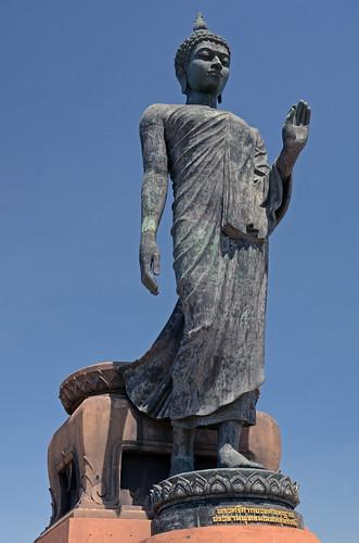 Phutthamonthon : Statue du Bouddha, de 15,9 mètres de haut