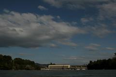 Wehr - Stauwehr des Kraftwerk Ryburg - Schwrstadt ( Laufwasserkraftwerk => Baujahr 1926 - 1931=> Grsstes Wasserkraftwerk am Hochrhein ) im Rhein ( Fluss - River ) zwischen Riburg und Schwrstadt im Kanton Aargau in der Schweiz und Deutschland (chrchr_75) Tags: chriguhurnibluemailch christoph hurni schweiz suisse switzerland svizzera suissa swiss chrchr chrchr75 chrigu chriguhurni 1408 august 2014 hurni140819 august2014 rhein rhin reno rijn rhenus rhine rin strom europa albumrhein fluss river joki rivire fiume  rivier rzeka rio flod ro