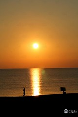 Sonnenaufgang Ostsee (ChristianLindner) Tags: strand meer menschen christian sonne sonnenaufgang ostsee frh strahl lindner