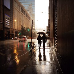 Hipstamatic C122 (Richard Pilon) Tags: street people urban chicago toronto rain candid iphone iphoneography hipstamatic