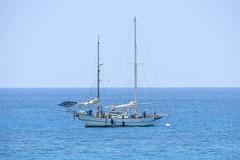 moored (BarryFackler) Tags: sailboat outdoors island hawaii polynesia bay boat ship horizon sails vessel pacificocean mooring tropical bigisland mast watercraft kona kailuakona 2014 moored konacoast hawaiicounty hawaiiisland kailuabay mooringball westhawaii northkona daylightmindcoffeecompany