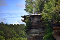 Hawks Bill Rock Formation (Vinny Gragg) Tags: wisconsin witch scenic hawksbill witches wisconsindells dells wisconsinriver rockformations rockformation thedells upperdells upperdellsboattour wisconsindellswisconsin theupperdellsboattour hawksbillrockformation