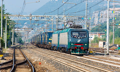 412.019 + 412.018 (atropo8 - fb.me/maniallospecchio) Tags: italy train lens nikon merci zug cargo verona treno f28 freight 70200mm trenitalia veneto d610 domegliara brennerbahn 412018 412019
