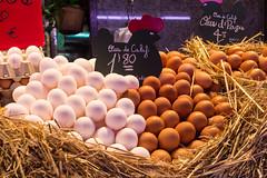 Huevos / Eier (diwan) Tags: barcelona city espaa food shop canon geotagged eos spain place market huevos eggs catalua spanien 2014 mercatdelaboqueria eier katalonien lebensmittel canoneos650d marthallen geo:lon=2171840 geo:lat=41381788