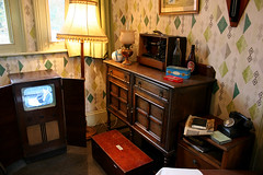 IMG_4006 - Station Masters Sitting Room - Ropley, MHR - 20.09.14 (Colin D Lee) Tags: heritage station living room retro line master watercress ropley midhantsrailway mhr