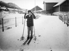 Boy skiing, ca. 1915-1925 (Fylkesarkivet i Sogn og Fjordane) Tags: norway noreg norge sognogfjordane sunnfjord førde olaifauske skiing skisticks barn halbrendsbrua brigde winter snow child boy farm halbrend bruland
