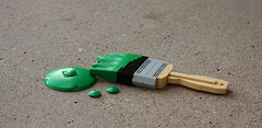 Go green! (Pate-keetongu) Tags: lego moc ironbuilder brush
