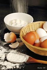 Cooking (photoschete.blogspot.com) Tags: canon 70d eos 50mm cocinar cocina bodegón huevos harina cuchara cesta bowl spoon eggs flour basket cooking kitchen