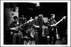 Perry Dear & The Deerstalkers (3) (frode skjold) Tags: perrydearthedeerstalkers perøydir bjarteagdestein bernterikandreassen magnusforseth mir toftesgate oslo norge norway grünerløkka beat 60´s theindikation peterberrytheshakeset leicadlux5 blackwhite bw monochrome music musicians concert gig stage band group fendervibass burns burnsoflondon vox ludwigdrums