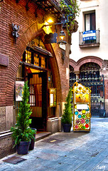 """""""Els Quatre Gats"""". Restaurant. (svet.llum) Tags: barcelona ciudad arquitectura calle catalunya cataluña elsquatregats restaurant restaurante"""