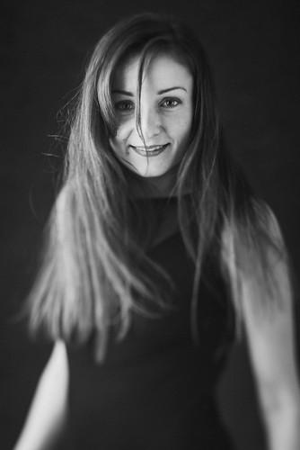 Cécile - In Body Tilt