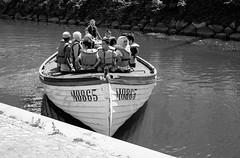 [161/365] The trip with M0865 (Haz_man) Tags: city summer bw kids 35mm boat canal blackwhite sweden fujifilm sverige malm project365 skneln fujifilmxt1 fujifilmfujinonxf3514r