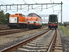 Locon 220, 9802, VSM 636, Apeldoorn, August 2, 2014 (cklx) Tags: amsterdam 600 500 excursion apeldoorn beekbergen vsm 9802 9908 locon traintour bakkies railexperts