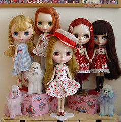 Happy Dolly Shelf Sunday  - Summertime