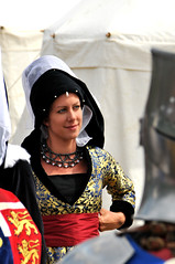 Hi there! (f4m1lym4n) Tags: uk ladies festival lady pie action live battle medieval historic queen queens staff knights sword medevial medievel tewkesbury medeviel