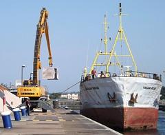 Yasam Rose (9) @ KGV Lock 23-07-14 (AJBC_1) Tags: london boat ship vessel cargoship royaldocks seatrade seacargo portoperations kgvlock thamesshipping yasamrose dlrblog ajc shipsinpictures