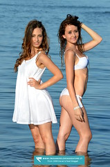Arianna Foti e Virginia Passadore (inguaribile.viaggiatore) Tags: girls italy beach model ve romantic sottomarina modelsharing romanticphotoday ariannafoti virginiapassadore