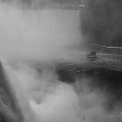 Maid of the Mist (tumulishoomaroom) Tags: niagarafalls numrique ricohgr 2014