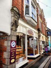 Fowey, Cornwall (photphobia) Tags: uk streets building vanishingpoint cornwall perspective fowey narrowstreet