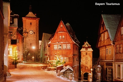 ロマンチック・クリスマスバス ニュルンベルクとローテンブルク(クリスマスマーケットのオプショナルツアー)