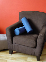 Recycled Jeans Bolster Pillows (Rolkussens van Hergebruikte Jeans) (Made by BeaG) Tags: madebybeag gemaaktdoorbeag pillow pillows kussen kussens bolsterpillow rollpillow rolkussen blue blauw jeans denim recycled upcycled reused hergebruikt gerecycleerd round rond home thuis homedecor recycledjeans hergebruiktejeans beag belgium belgie