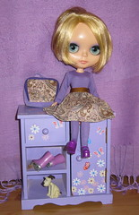BaD:  13th Feb 2017 - Paisley (Calendar girl 48 / grannygreen) Tags: blythedolls twiggy badfeb2017 printorpaisley purplepinafore purple