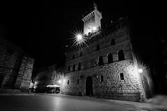 Montepulciano (SI) (gianclaudio.curia) Tags: montepulciano siena bianconero blackwhite nikon notturno d7000 digitale