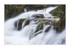 Abstracción (begonafmd) Tags: agua water rio river salto rocas musgo verde rocks green sedas largaexposicion longuexpesure naturaleza