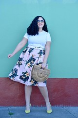 How to Wear Tropical Print When You Aren't on Vacation (GirlWithCurves) Tags: tropicalprint midiskirt girlwithcurves plussizestyle plussizefashion plussizeblog yellowpumps curlyhair taneshaawasthi