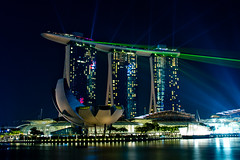 Laser show by the bay (Paul Rowbotham) Tags: mbs marinabaysands hotel bay laser lasershow singapore light sky sea water