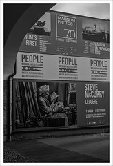 Leggere (Outlaw Pete 65) Tags: museo musem persone people festival fotografia photography stevemccurry magnum biancoenero blackandwhite nikond600 nikkor50mm brescia lombardia italia