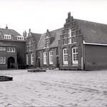"Ursulaschool (Raadhuisstraat) <a style=""margin-left:10px; font-size:0.8em;"" href=""http://www.flickr.com/photos/99860362@N04/14185748608/"" target=""_blank"">@flickr</a>"