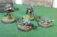 British Commando Machine Gun Squad (Eldritch Engines) Tags: miniatures british allies boltaction dieselpunk