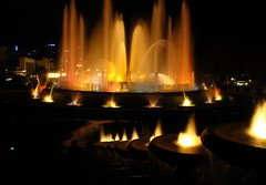 agua y luz III (Ste_✪) Tags: barcelona fountain night noche g12 plaçadespanya aguayluz fontmàgicademontjuïc