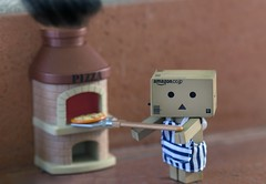 Danbo - Would you like a Pizza? (Jacopo.Colombo) Tags: dof bokeh pizza 135mm 6d danbo lseries 135f2 revoltech canon6d danboard canon135f2 canoneos6d danbolove