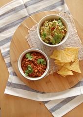 Chilli con carne + guacamole (Patricia Scarpin) Tags: beans martha beef tomatoes meat mexican guacamole texmex avocados chilliconcarne beefmince