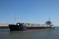 The Fri Tide (Moldovia) Tags: water boat 2000 ship outdoor bs vessel cargo vehicle bahamas greatyarmouth gorleston gorlestononsea bridgecamera fritide callsignc6vw4 imo9195676 mmsi309186000 fujifilmfinepixhs50exr