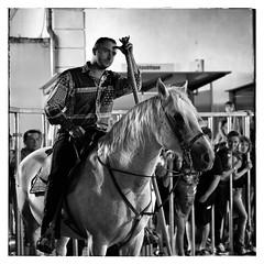 Gardian et sa monture (Spirit of color) Tags: bw horse white black cheval blackwhite noir fuji noiretblanc fujifilm cavalier provence alain blanc noirblanc saintremydeprovence saintrmydeprovence gardian spiritofcolor guerquin alainguerquin snapseed fujifilmxt1 fujixt1 strmydepce