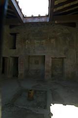 Scavi di pompei inside (Don Pableras) Tags: italy nikon italia d70 pompeii monte vesuvio pompeya napoles pompei vesubio nikkon scavi escavaciones