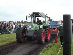 DSCF9858 (fuchs377) Tags: tractor deutschland europa europe traktor bulldog ostfriesland oldtimer pulling allemagne duitsland trecker schlepper niedersachsen fendt oldtimertreffen neuschoo traktorpulling treckertreffen