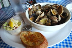 Steamer clams (heatherjoan) Tags: vacation food holiday west beach oregon lunch restaurant coast pacific northwest united side clam shellfish seafood states steamed broth
