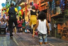 Festa Major de Gràcia, Barcelona, Catalonia (Tiphaine Rolland) Tags: barcelona street dance spain nikon child danse catalonia 1855mm 1855 fête festa rue enfant espagne lindyhop gràcia barcelone gracia catalogne d3000 nikond3000
