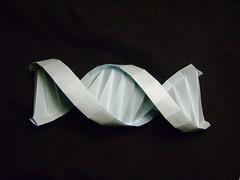 DNA (orig4mi.) Tags: paper origami dna fold